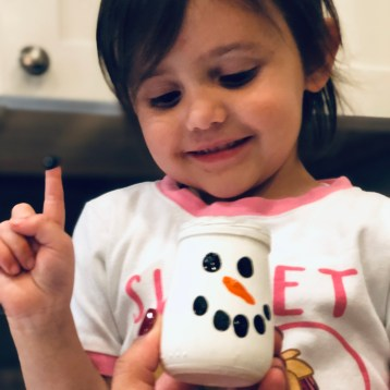 How to Plan a Play Date Tasting Party. Beech-Nut® Naturals™ inspired by homemade. Plus an upcycled baby food jar snowman Christmas ornament #BeechNutPartner #realfoodforbabies #MommyParties #ad