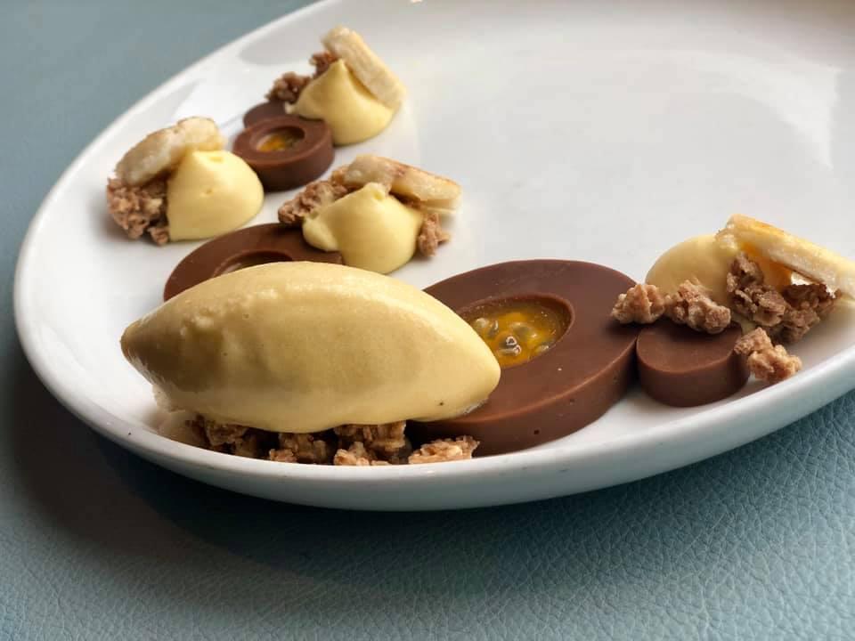 Gianduja Like Passionfruit dessert