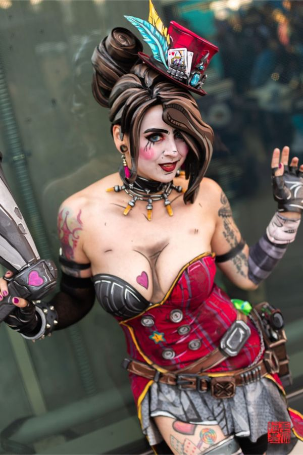 Mad Moxxi Cosplay | Cosplay | Know Your Meme