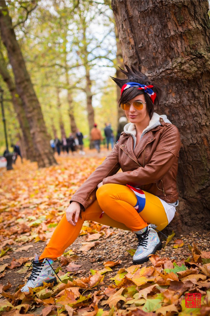 Fall Season Casual Tracer / Overwatch by Lisa Lou Who
