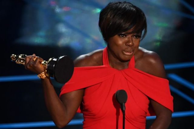 Viola Davis Wins 'Best Supporting Actress' Oscar for Fences
