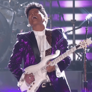 BRUNO MARS CRUSHES IT! TRIBUTE TO PRINCE Grammy 2017