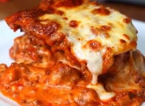 Garlic Bread Lasagna