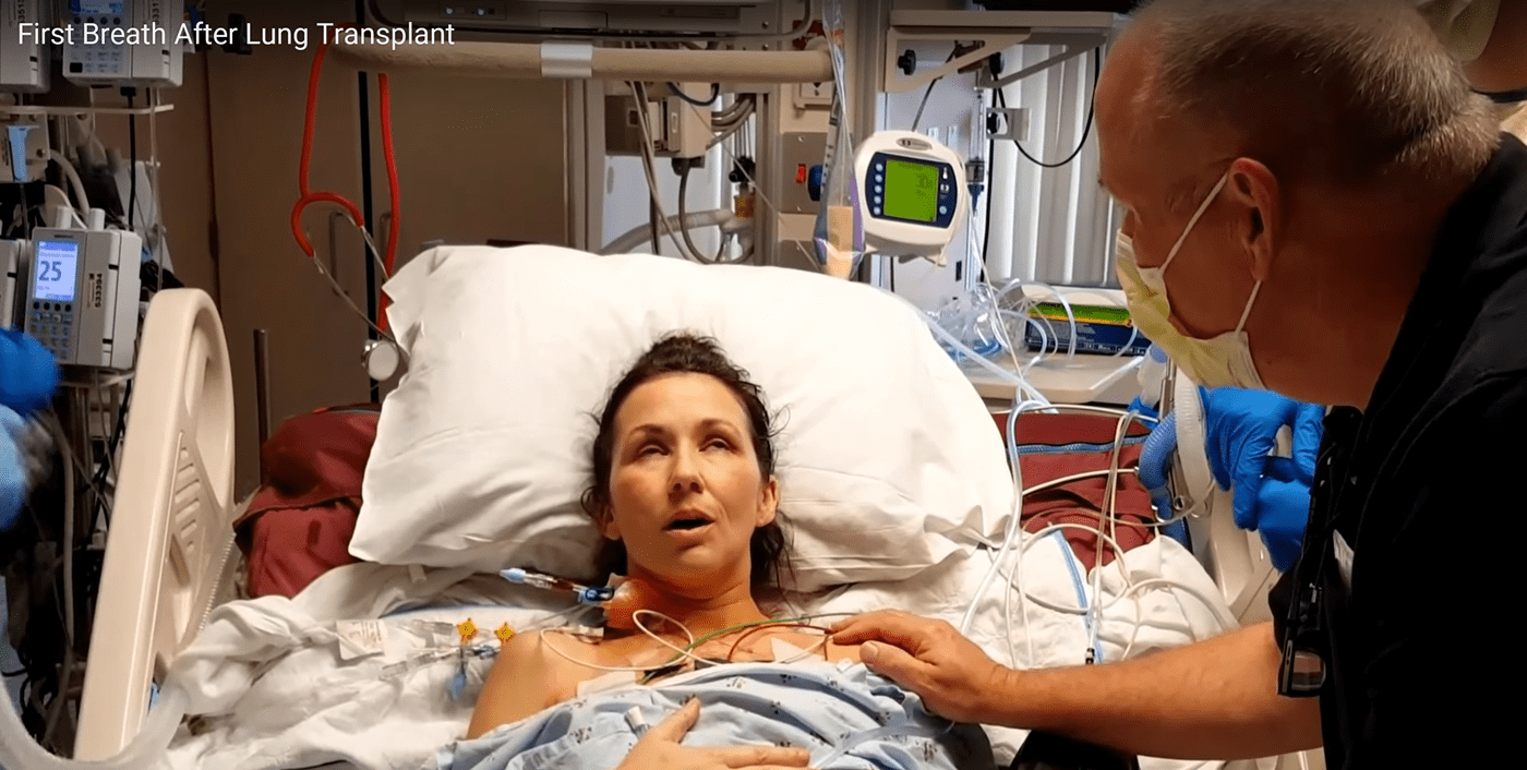 Woman Takes First Breath After Double Lung Transplant (VIDEO)