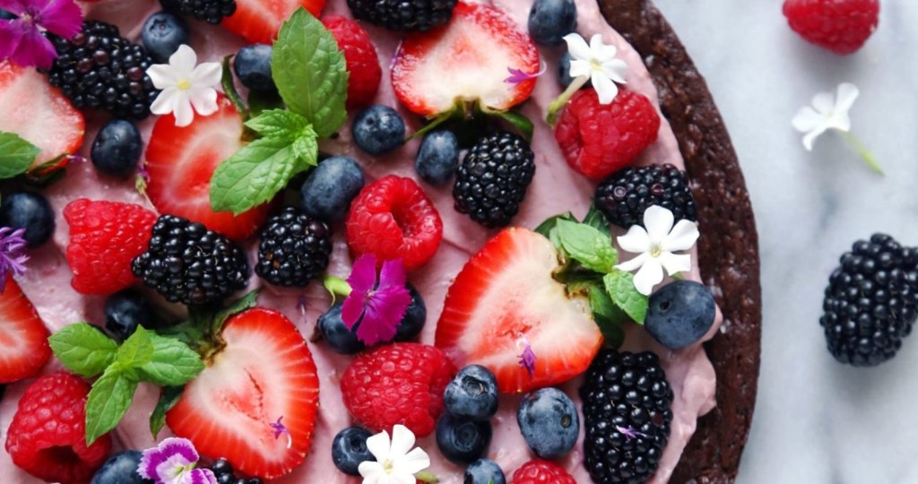 Very Berry Brownie Pizza