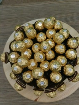 50 Ferrero rocher cake top view