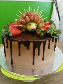 Hedgehog chocolate drip cake