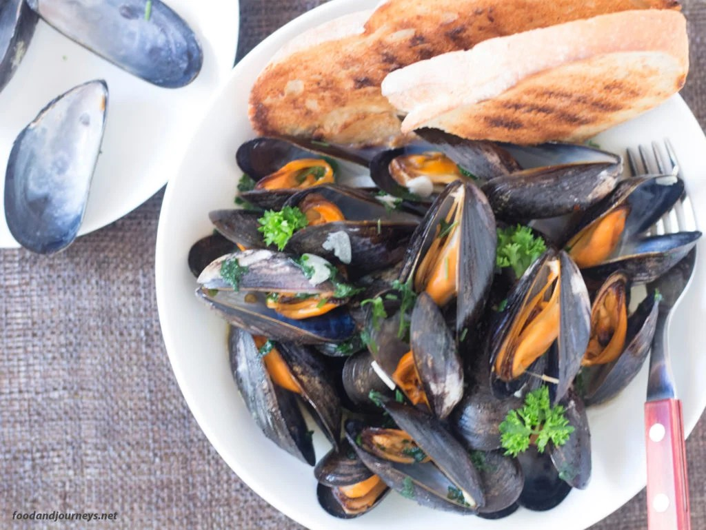 Mussels in White Wine|foodandjourneys.net