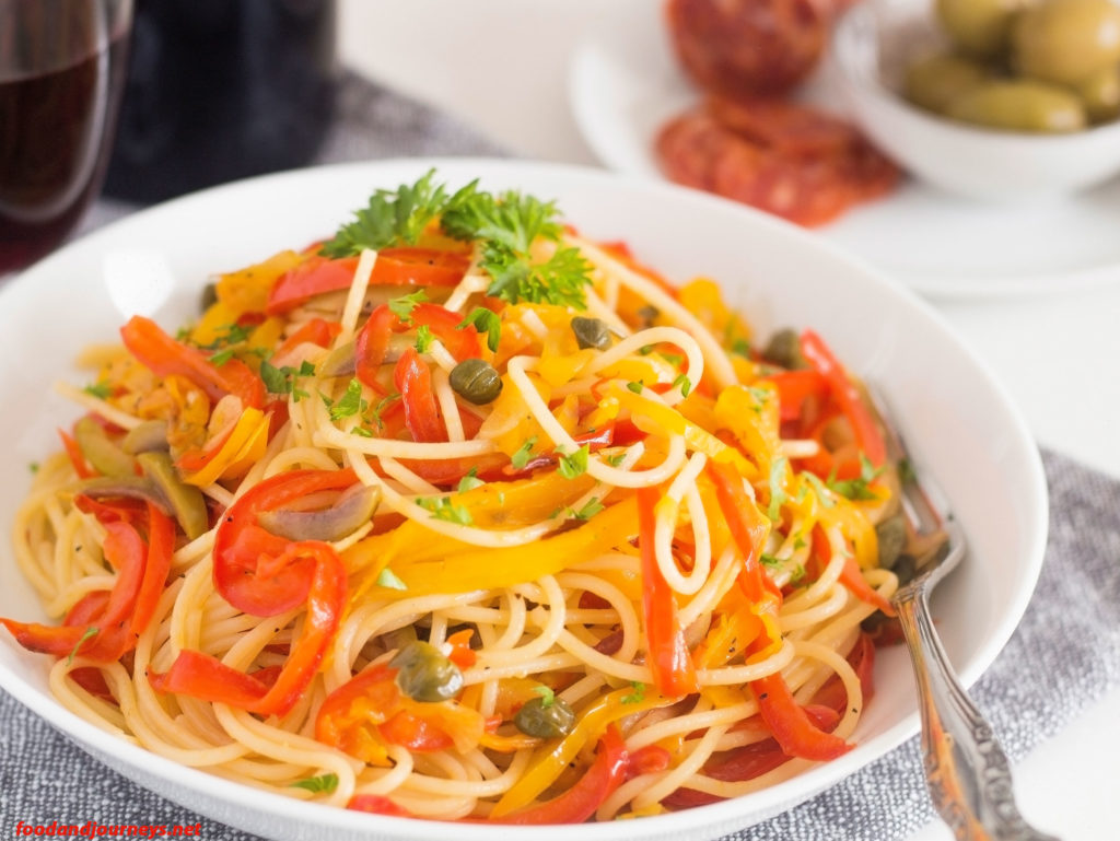 Spaghetti with Fried Peppers|foodandjourneys.net
