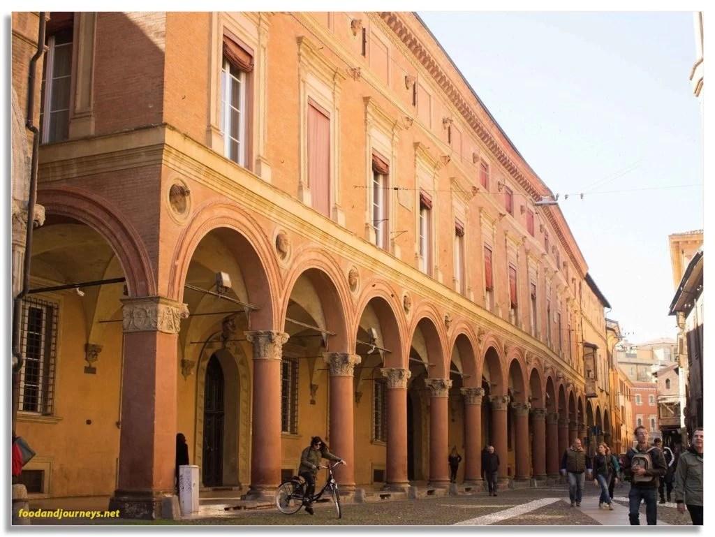 Bologna Italy Porticos Sample|foodandjourneys.net