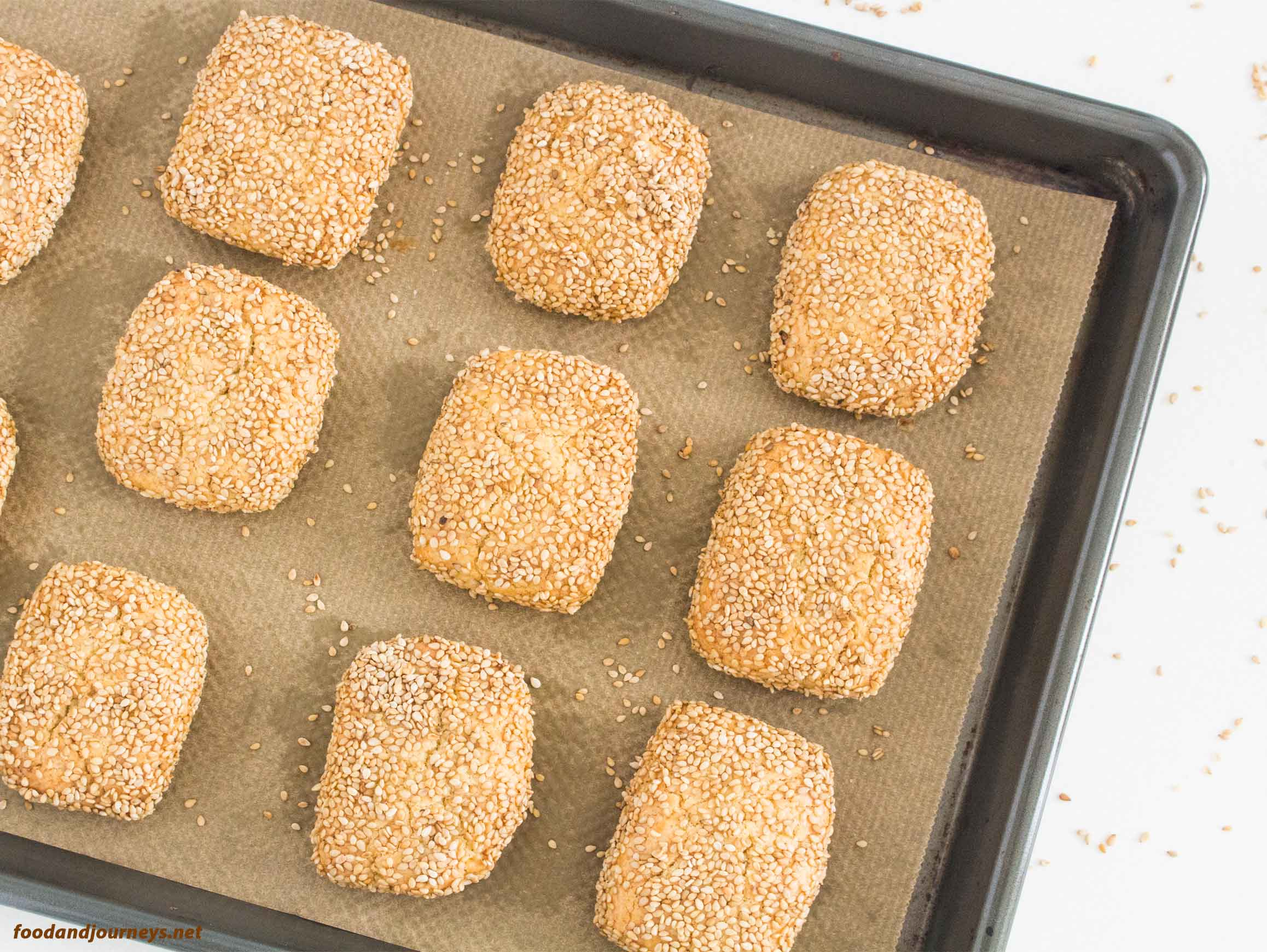 Overhead image of Sicilian Sesame Seed Cookies on a baking tray|foodandjourneys.net