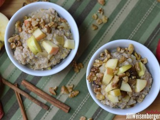 Creamy oats and lentils with spiced apples served in two bowls