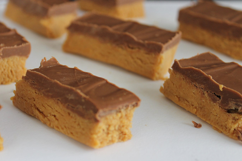 bars of four-ingredient fudge