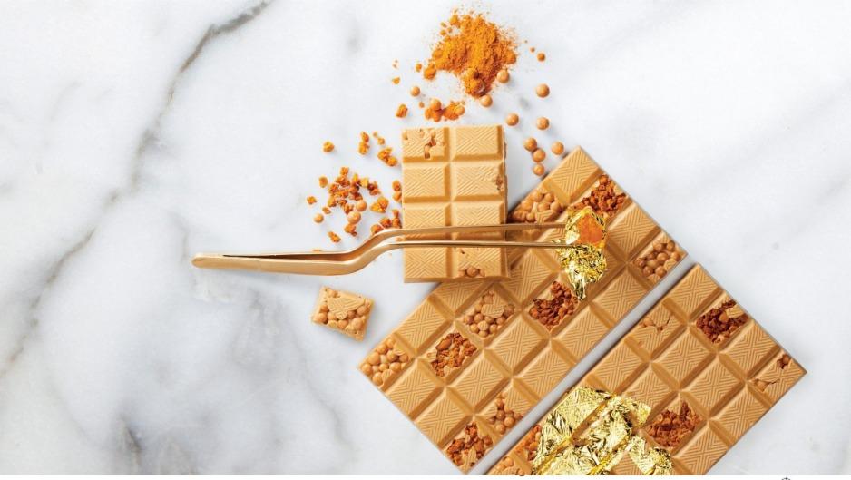 ¿Chocolate dorado? Ya existe y nos enamoró con sus notas de caramelo, mantequilla y sal