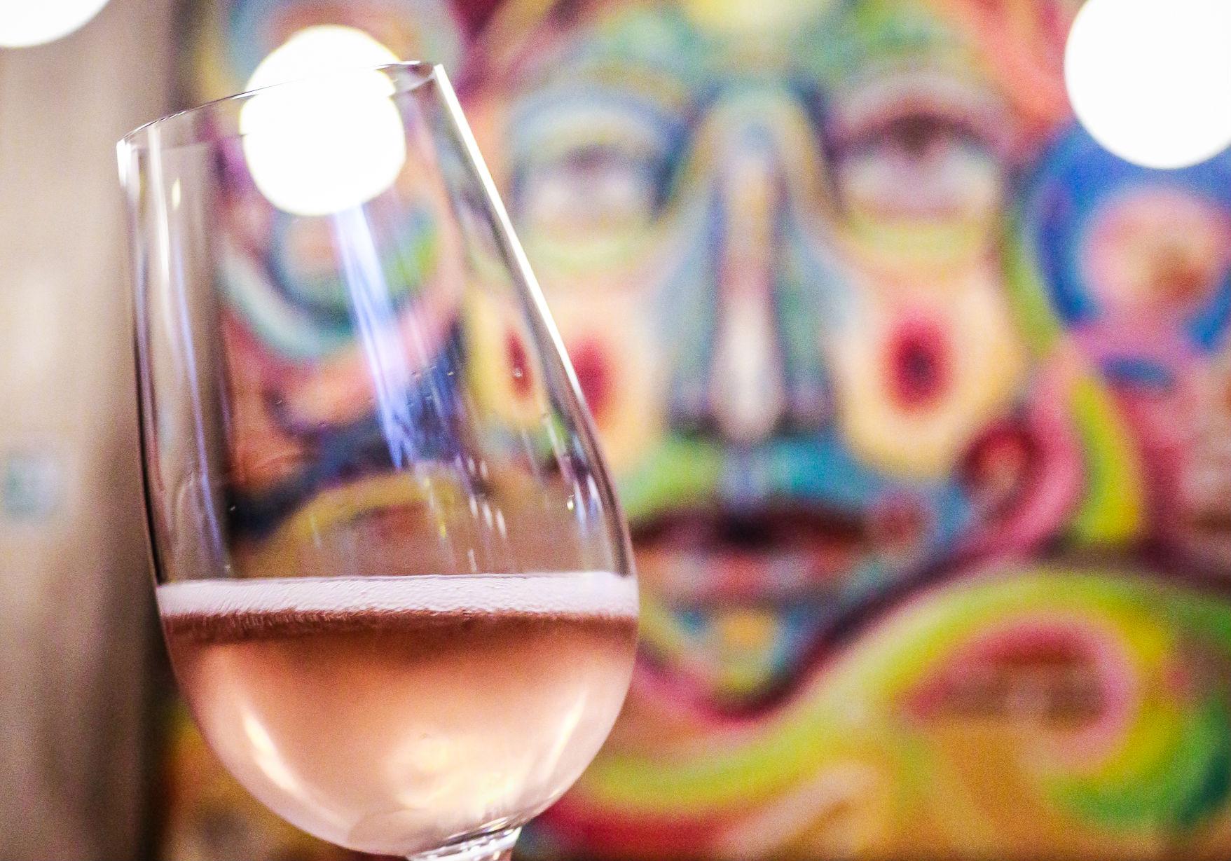 Te decimos por qué este vino artesanal mexicano está dando mucho de qué hablar