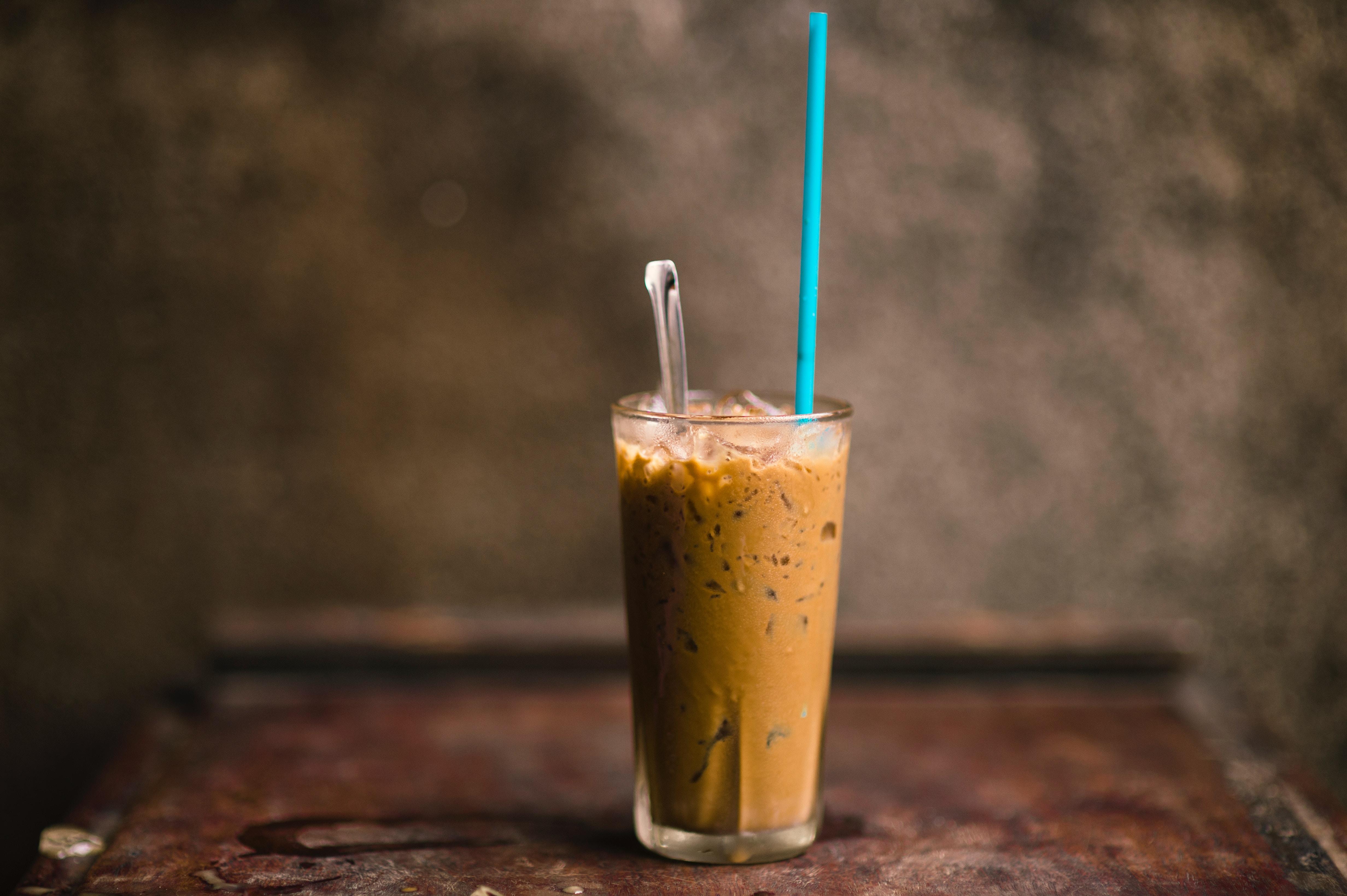 9 recetas de bebidas con café para despedirte del verano