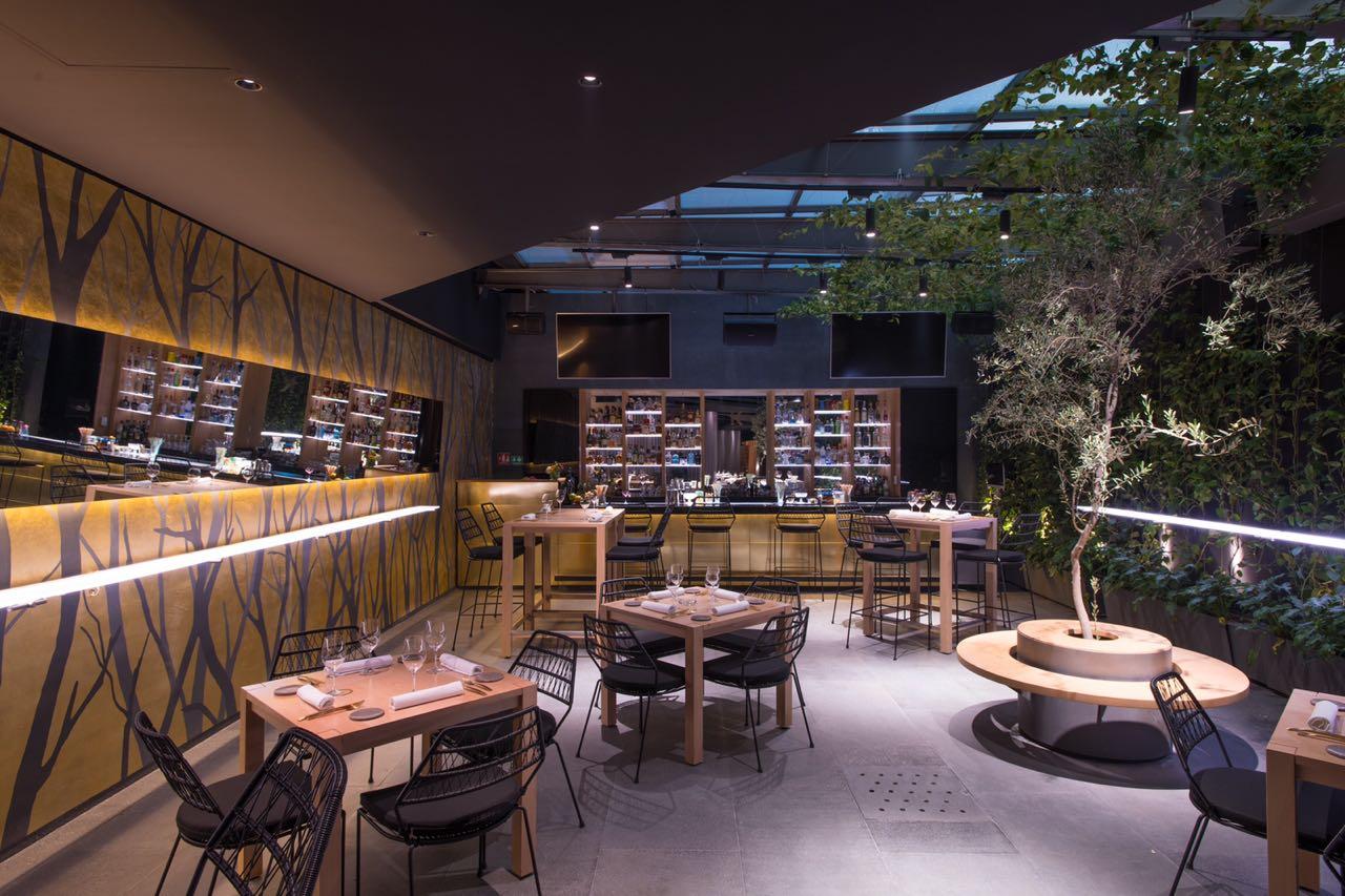 Ko Ma: La historia de amor entre un restaurante de manteles largos y un bar