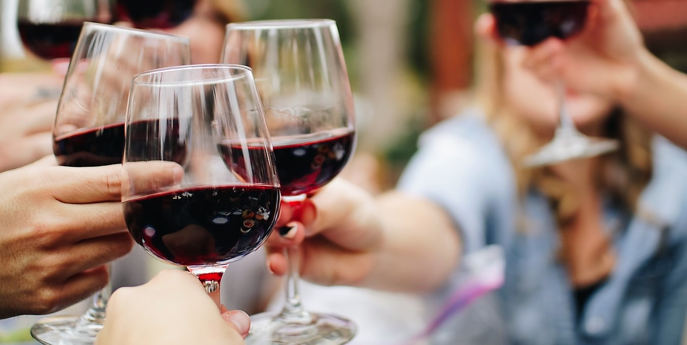 8 razones para tomar más vino mexicano (y por qué es la mejor opción de 'drink' en cualquier ocasión)