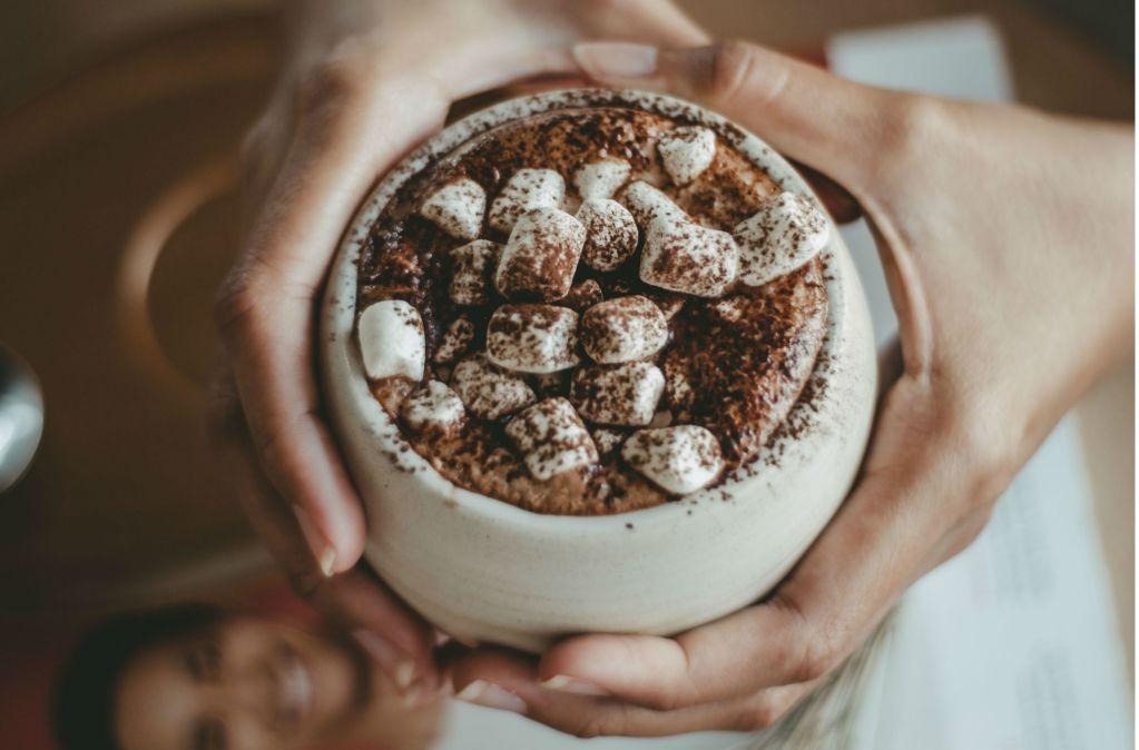 8 lugares para tomar un reconfortante chocolate caliente en la CDMX (perfectos para 'sopear' tu pan)