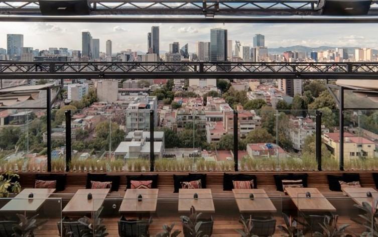 7 bares para 'enfiestar' con la mejor vista de la CDMX y deliciosos 'drinks'