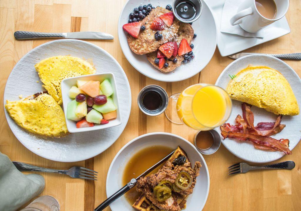 5 'localitos' que llevan ricos desayunos a domicilio