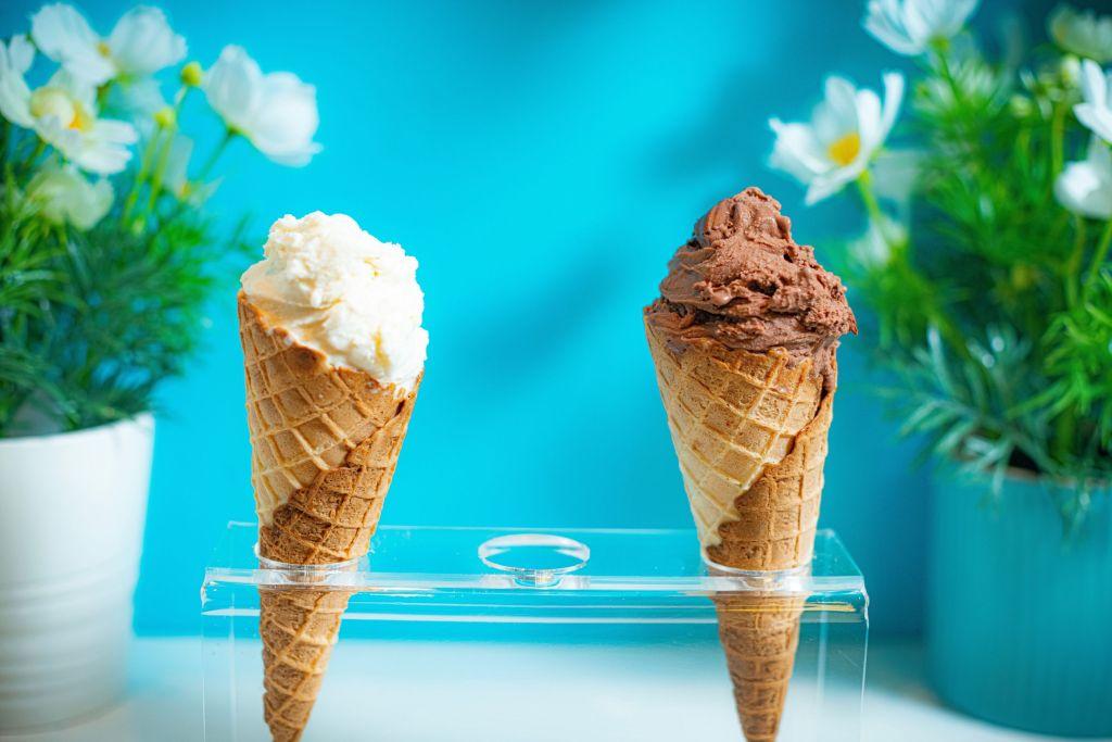 Prepara un cremoso helado con ingredientes que puedes encontrar en tu casa (muy fácil y rápido)