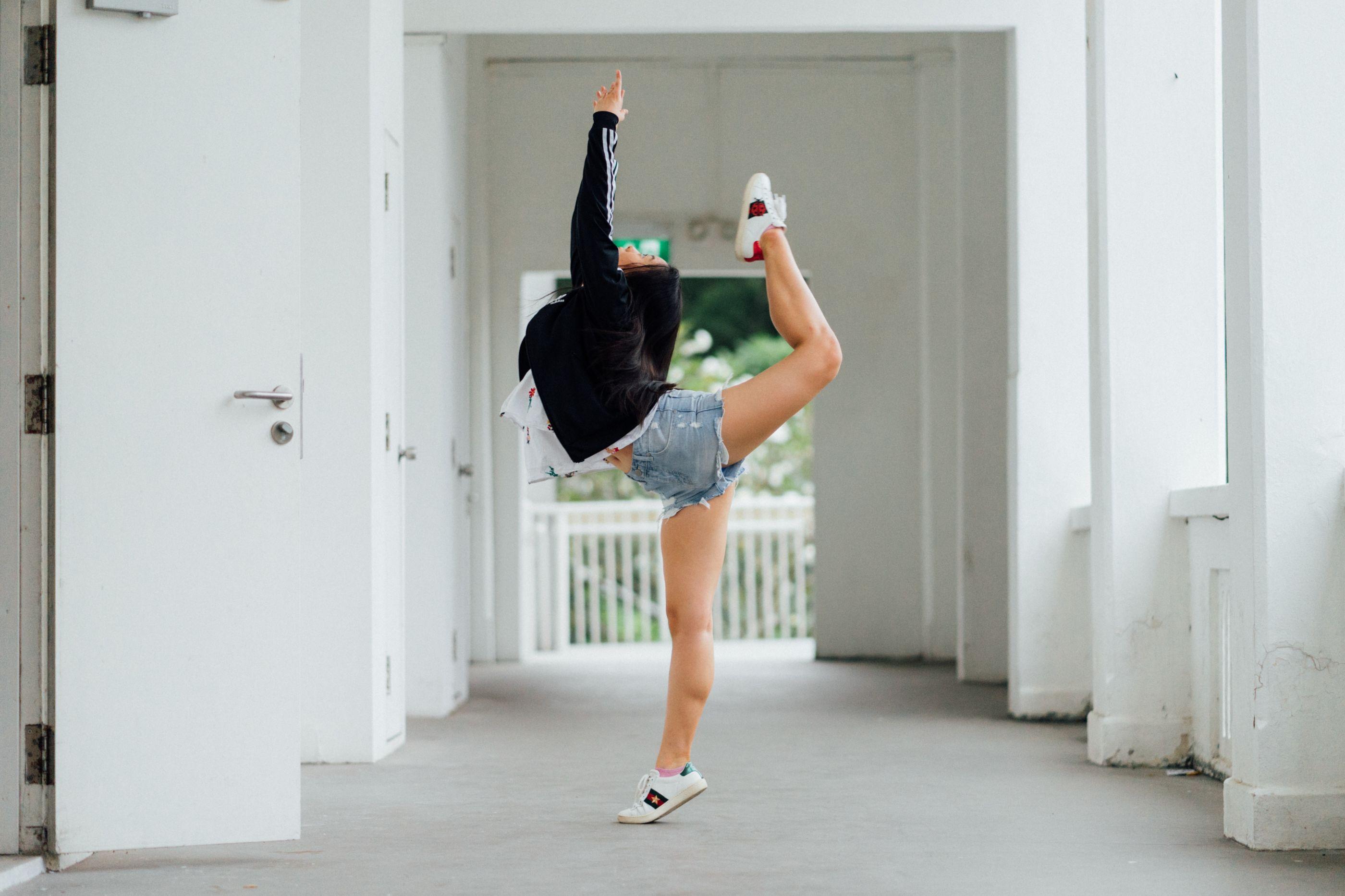 5 canales de YouTube en los que podrás encontrar rutinas de baile para ejercitarte