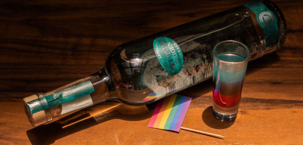 Dos recetas de 'drinks' muy coloridos para celebrar el Día Internacional de Orgullo LGBT