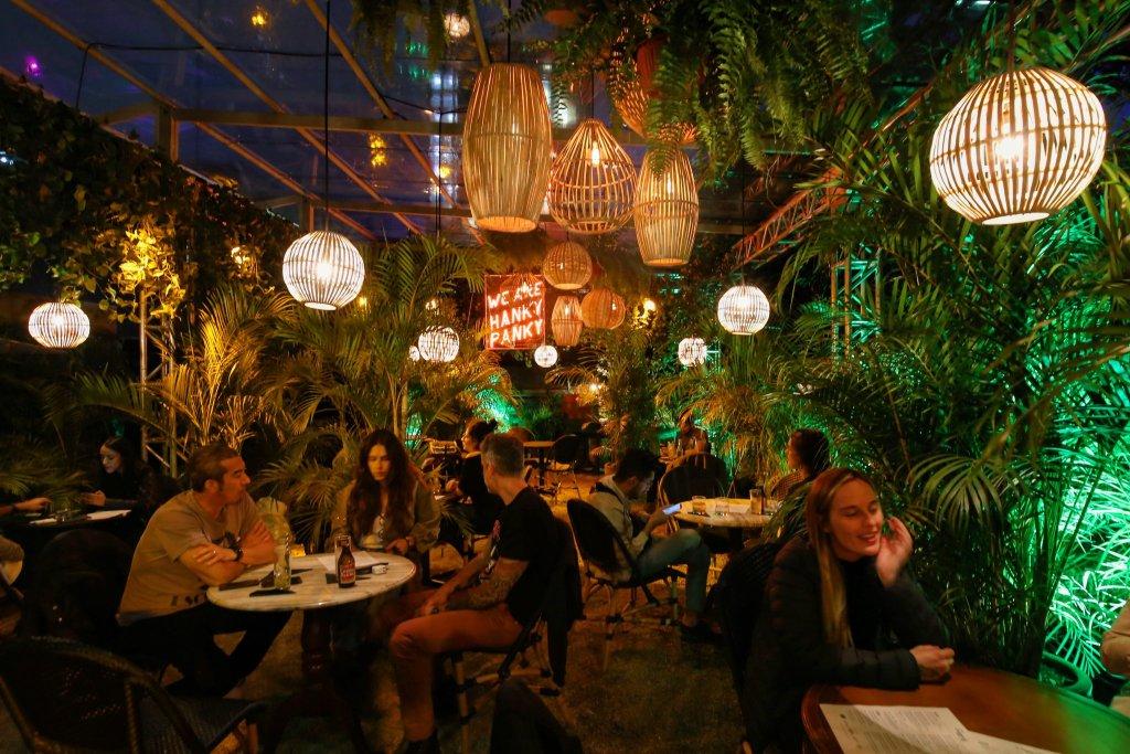 Los bares más cool del momento en la Roma-Condesa (perfectos para echar el 'drink')