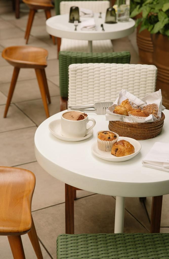 Comienza el día con un buen pan dulce, unos chilaquiles con mucha salsa y un café recién hecho en uno de los mejores lugares para desayunar en la Condesa.