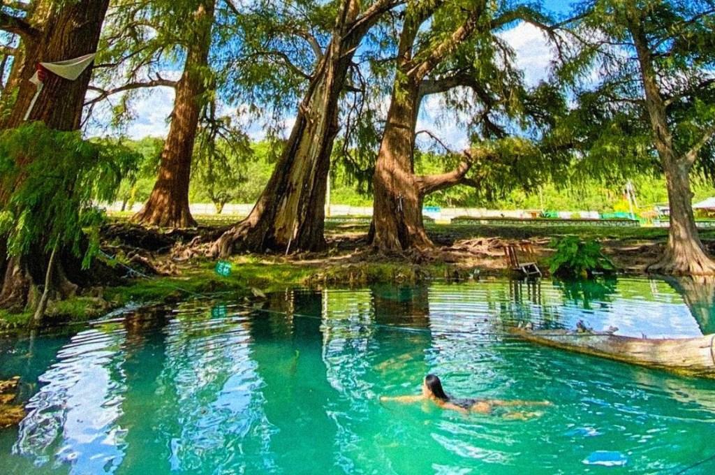 Este oasis secreto con un manantial turquesa se encuentra a menos de tres horas de la CDMX