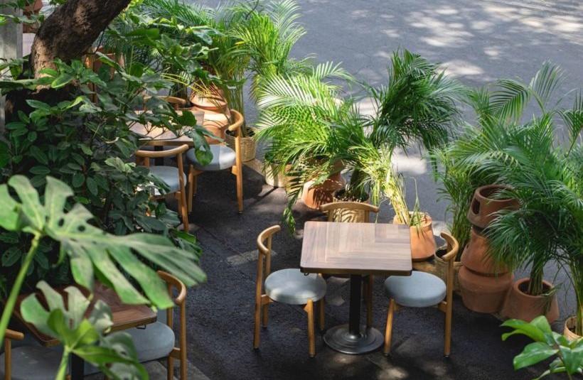 Meroma: el precioso restaurante de la Roma (con mesas al aire libre por doquier) para tener la cena de tu vida