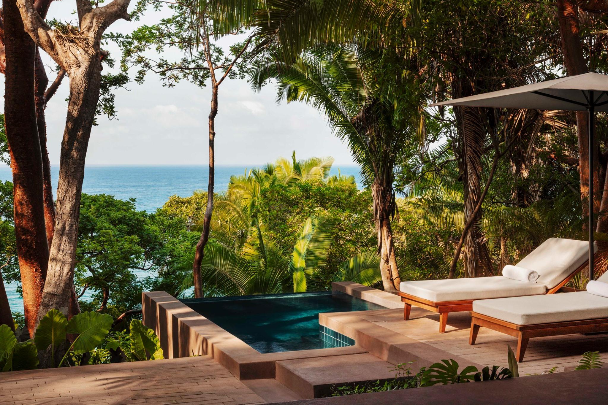Este hotel te sorprenderá con sus habitaciones 'treehouse' y sus villas construidas en acantilados