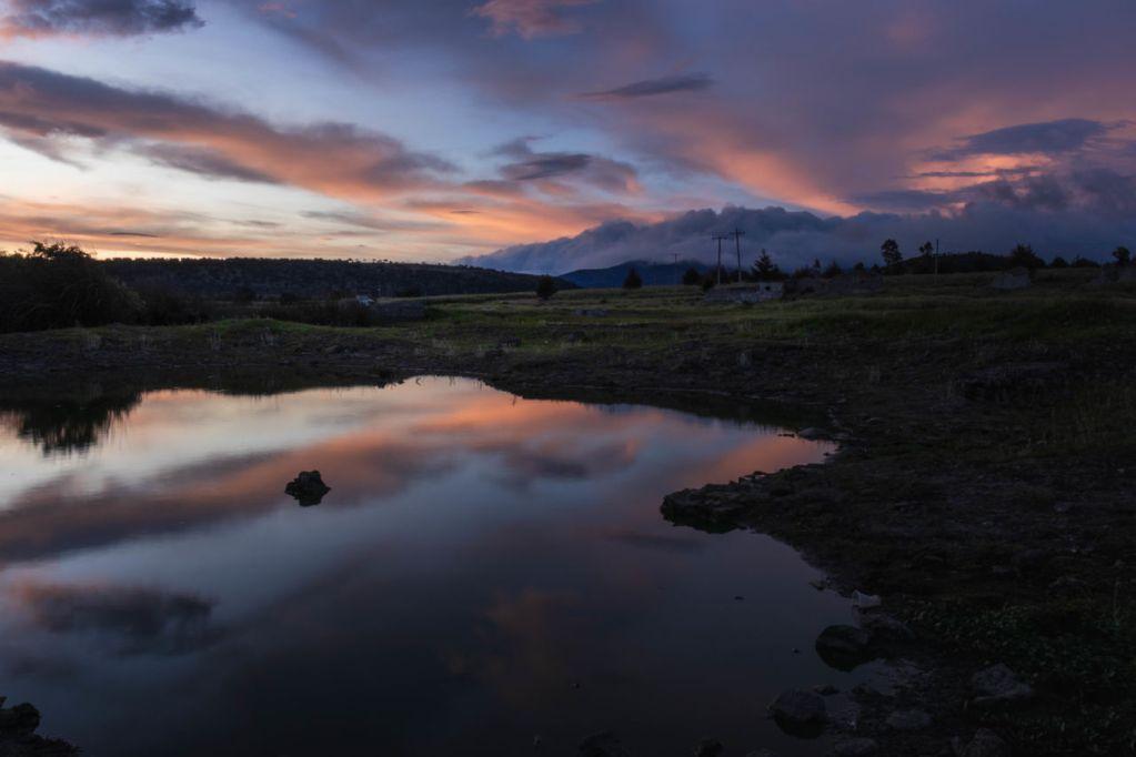 Atlangatepec: la laguna de atardeceres hermosos que casi nadie conoce (a tres horas de la CDMX)