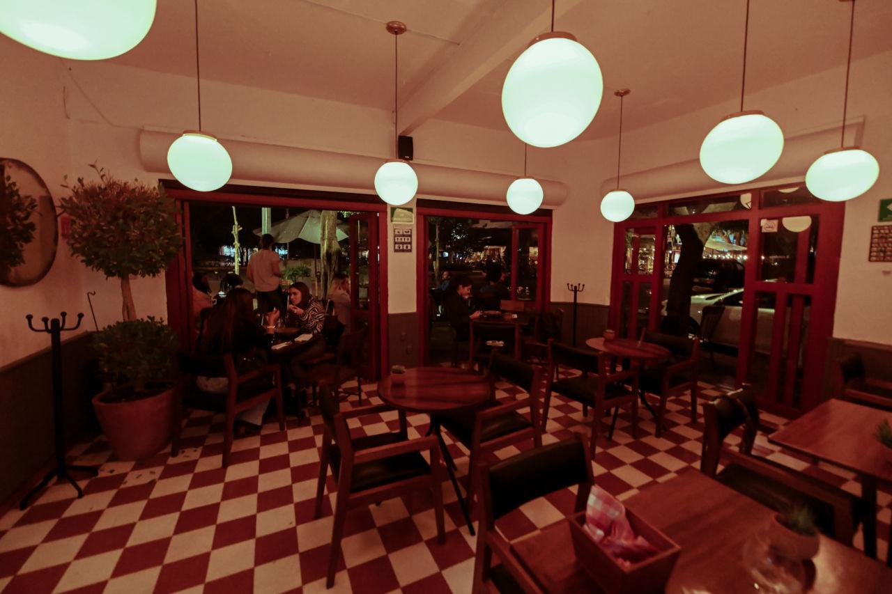 Este acogedor 'localito' de la Condesa acaba de abrir, y es el lugar ideal para una primera cita