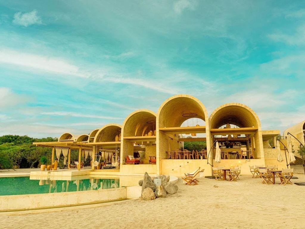 Duerme en las impresionantes bóvedas de playa de esta casona de Puerto Escondido