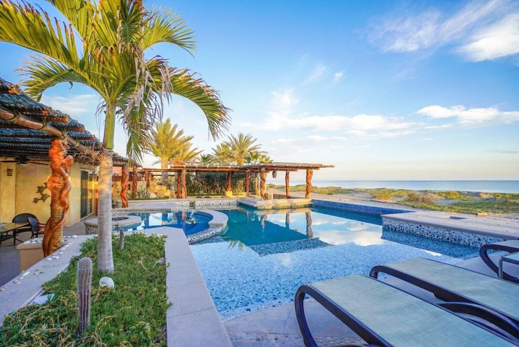 6 espectaculares Airbnb's frente a la playa en La Paz