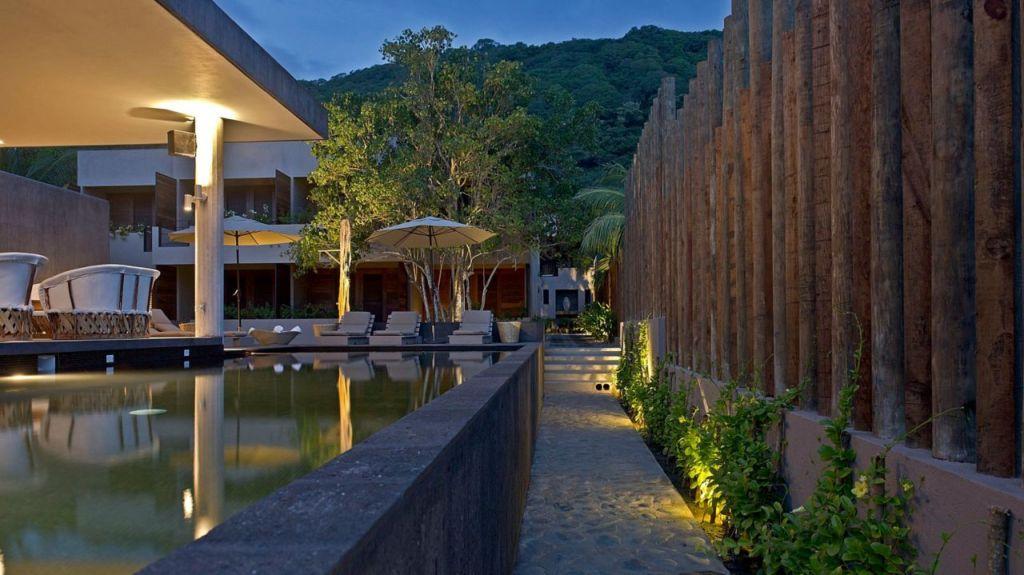 Lo Sereno Casa de Playa: un hotel boutique escondido en el pacífico mexicano (tiene una infinity pool increíble)