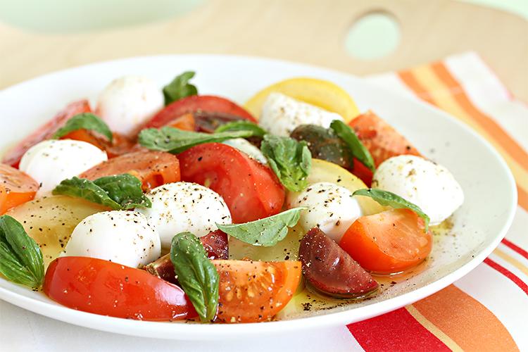 Heirloom tomato salad with bocconcini and basil