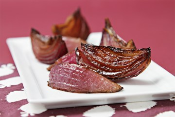 Balsamic–roasted red onions