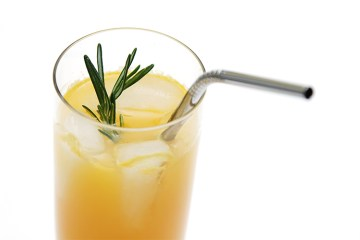 Muddled tangerine-rosemary spritzer