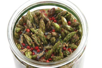Pickled asparagus with pink peppercorn and mustard seeds