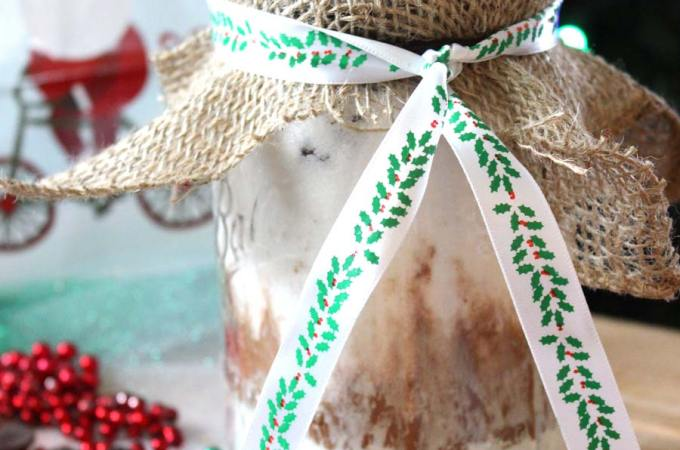 Brownies in a Jar. Great gift idea for friends and family!