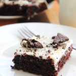Cookies and Cream Chocolate Sheet Cake - a fabulous cake for when you are tight on time, but still want to impress! @foodapparel