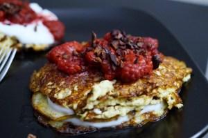Fersken proteinpandekager med hindbær og chokolade (1)