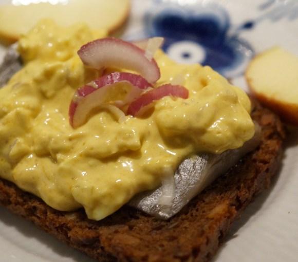karrysalat æggesalat