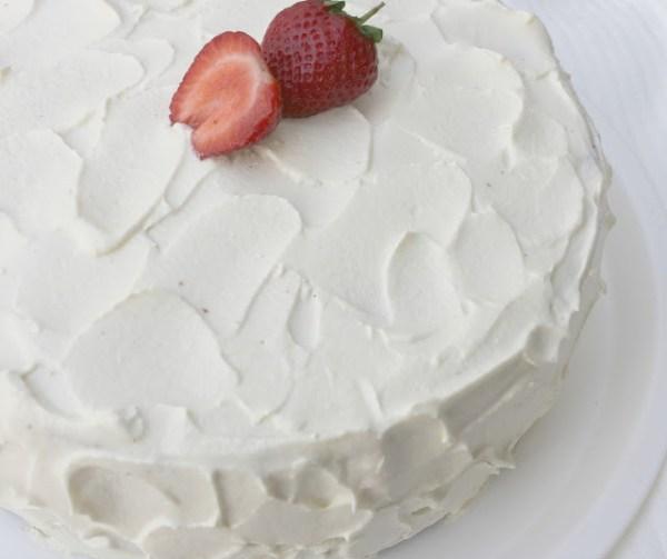 strawberry cake, strawberry cake with vanilla frosting,strawberry flavored cake