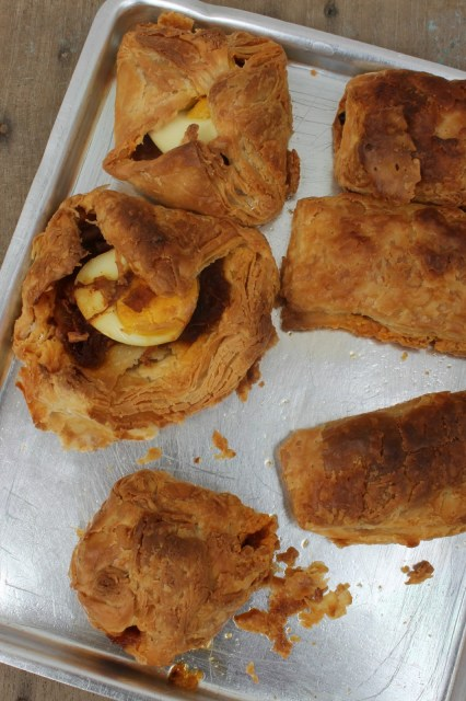 homemade puff pastry,bakery style egg puff, bakery style vegetable puff