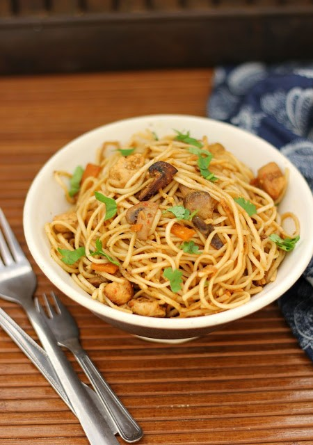 thai style curried noodles