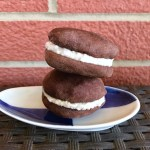 4-ingredient healthy oreos are vegan, refined sugar free, and oil free